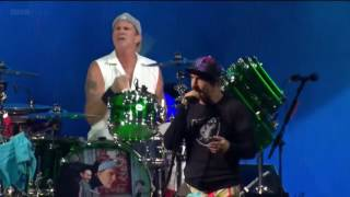 RHCP - DARK NECESSITIES | LIVE in the T Park 2016 HD