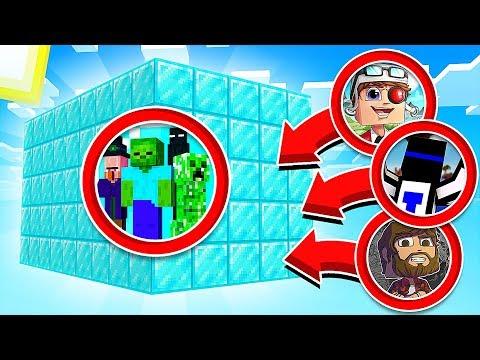 ВЫЖИТЬ В КОРОБКЕ ИЗ АЛМАЗНЫХ БЛОКОВ В МАЙНКРАФТЕ! Minecraft Survive in box 2