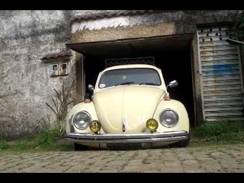 Scrat vw sedan 1975 raspando na saida da garagem youtube for Garage volkswagen persan