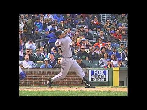 HOU@CHC: Bagwell becomes Astros