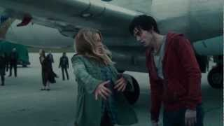 Warm Bodies Official Trailer ft Rob Corddry, Teresa Palmer, Analeigh Tipton - Celebs.com