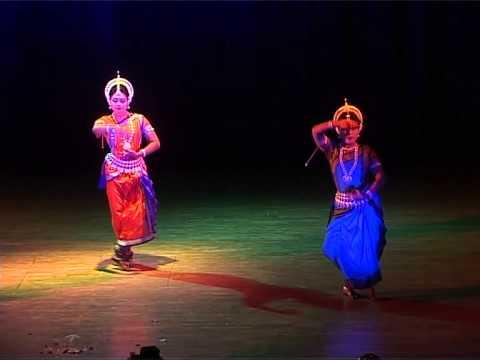 mangale aaile usha duet performance of pallavi n mamta 2
