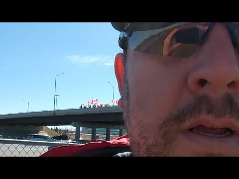 Toronto Yellow Vest On The Bridge