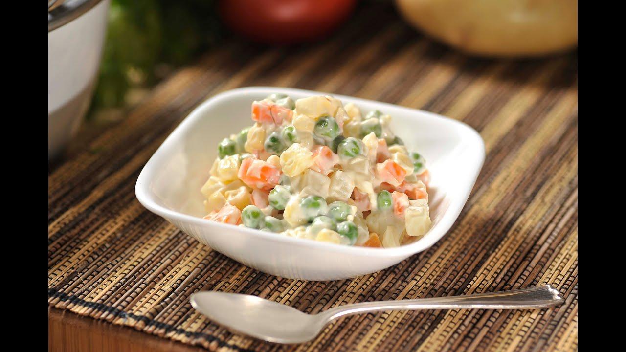 C mo preparar ensalada rusa comida sana comida - Como decorar una ensaladilla rusa ...
