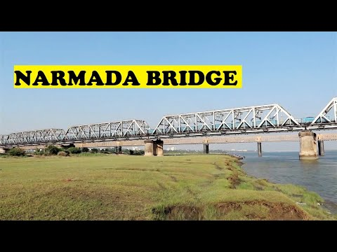 WAG9 Freight Cruises Narmada River Bridge