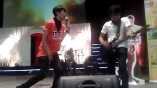 perahu kertas band - Nurlela (cover) live