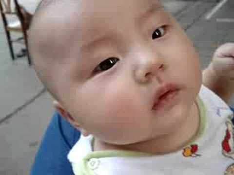 China Baby Yang Qing Ao dancing dancing