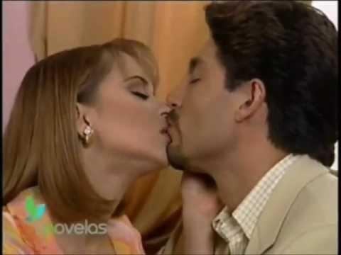 La Usurpadora - Carlos Daniel pide a Paulina que se case con el
