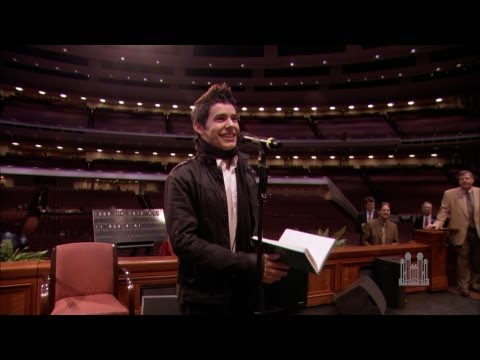 "David Archuleta sings ""Be Still My Soul"" to the Mormon Tabernacle Choir"