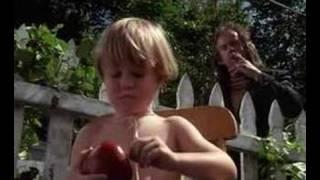 Dennis the Menace - A Apple