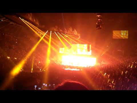 Lady Gaga - John Wayne (Light Show) - Omaha, NE 8-19-17