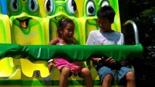 Toronto Centre Island Trip 2010 - The Frog Hopper Ride @ Centreville #1