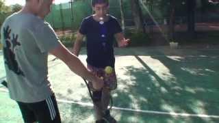 Теннис. Учебное видео. Удар слева.
