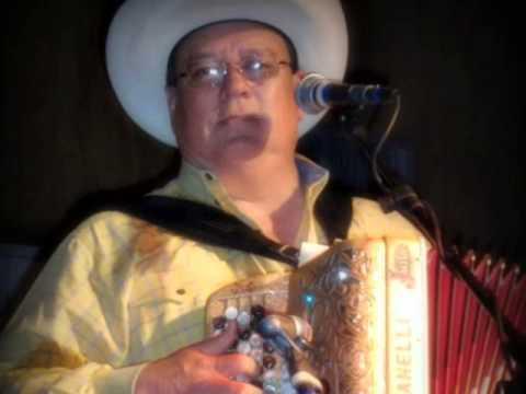 Who's That Gringo  -  David Lee Garza y Los Musicales