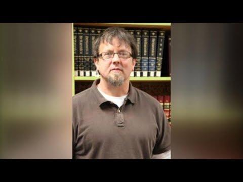 Teacher locks himself in classroom with gun: Authorities
