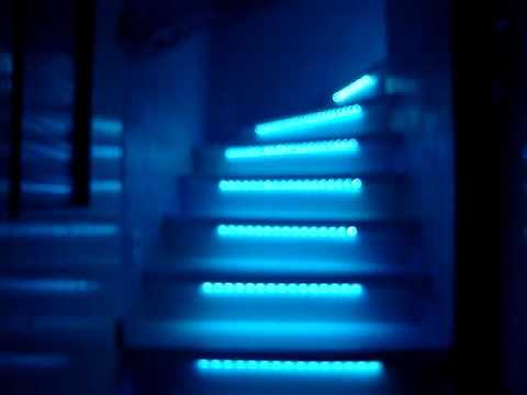 Eclairage Escalier Avec Bandes Leds Youtube