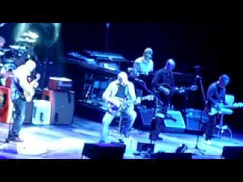Mark Knopfler  live in Berlin 2010 -Telegraph road (not complete)