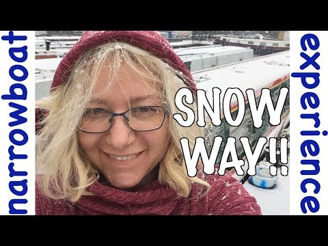 What's it like on a canal Narrowboat in London in the Snow? Cat's first snow