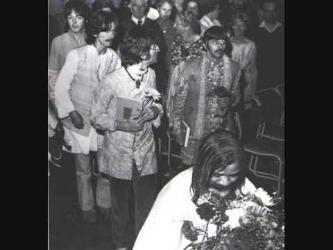 Beatles At The Maharishi Mahesh Yogi