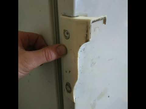 Ремонт ручки холодильника.