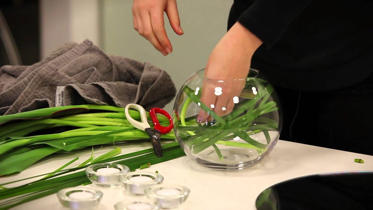 How to make a table flower arrangement using a fishbowl for How to make a fish bowl