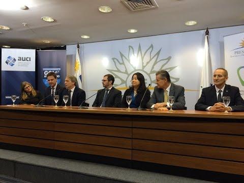 Firma de convenio entre la Secretaria Nacional de Deportes y HRU