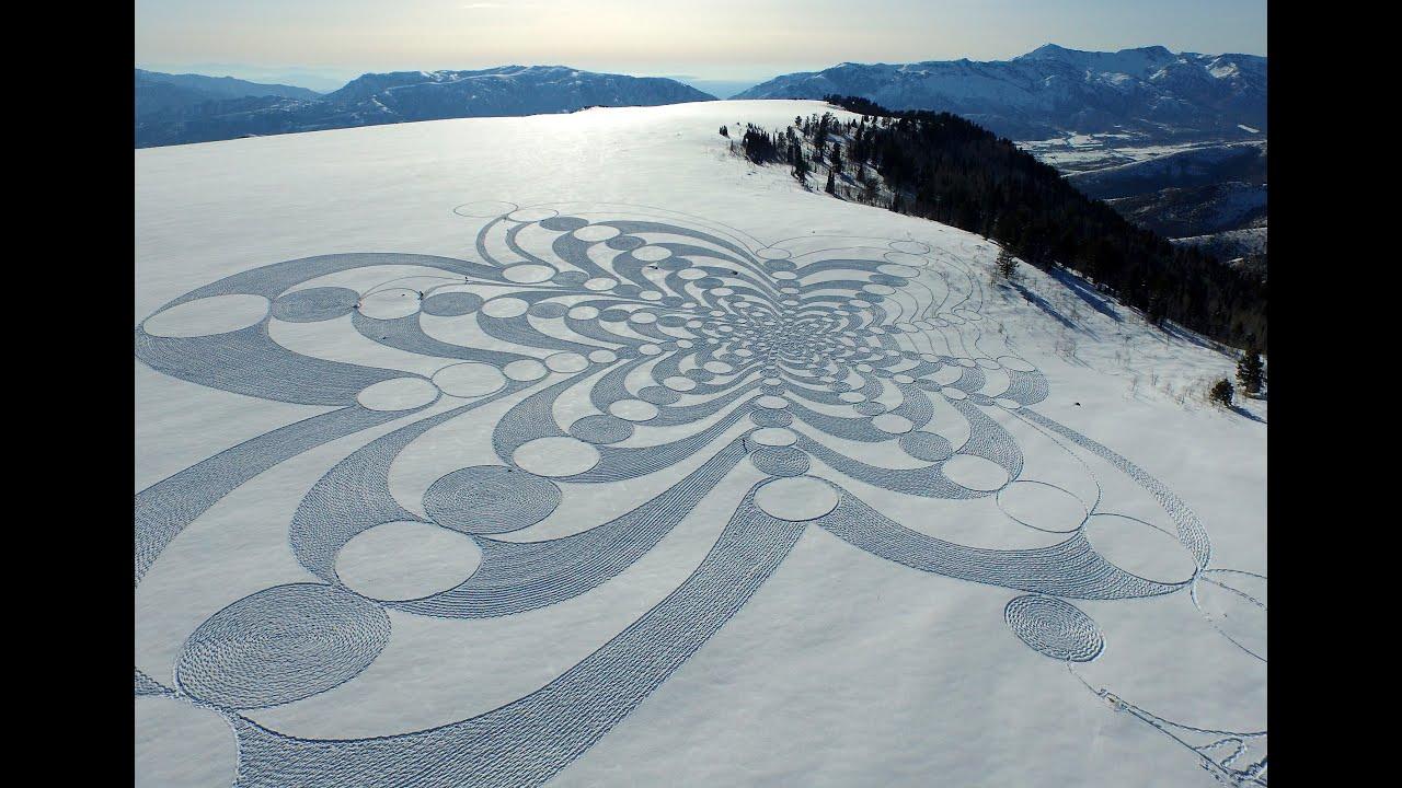 Simon Beck Creates Monumental Snow Art in Savoy | Untapped Cities