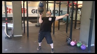 Попытка 61кг напопа. Гири 49кг+12кг. 61kg stacked kettlebells (49kg+12kg) bottom up press attempt.