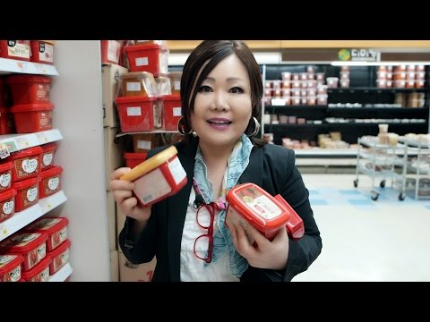 Korean Grocery Shopping: Soy sauces, pastes, & spices