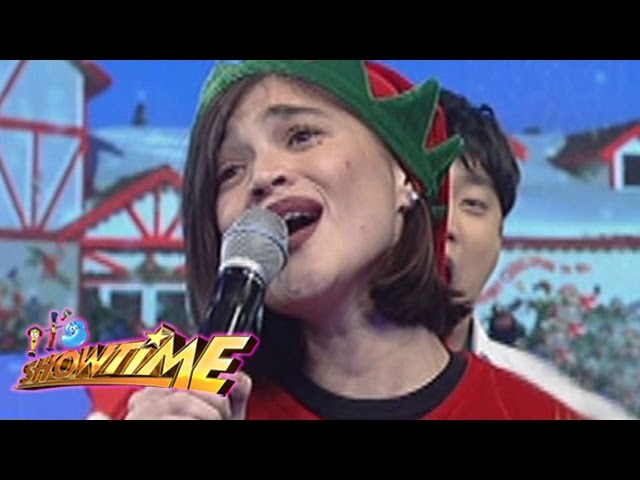 "It's Showtime: Anne sings Sine Mo To's ""Pasko Na Sinta Ko"""