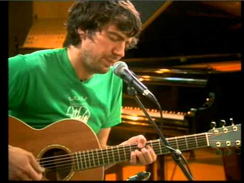 Gary LightBody -Chasing Cars-Snow Patrol.mpg