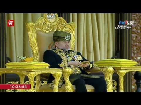 Sultan Muhammad V installed as Yang di-Pertuan Agong