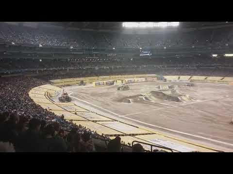 Monster Jam Toronto 2018 Xtreme Diesel Freestyle
