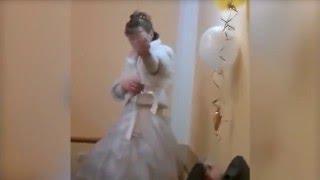 Отец жениха избил невесту за неприличный жест