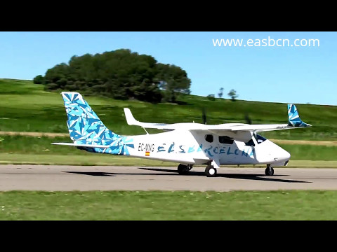 Aerosport 2017 - Aterrizaje Tecnam P2006T en Igualada