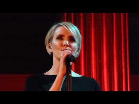 Claire Richards – Don't Leave Me In This Love Alone