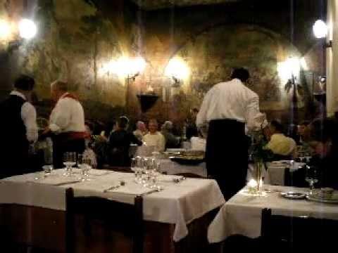 Il ristorante la cisterna trastevere rome youtube for Ristorante filippo la mantia roma
