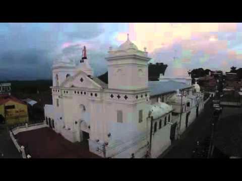 Sensuntepeque - Iglesia y paseo Santa Barbara