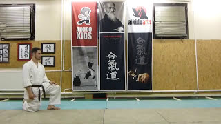 mae ukemi (forwards roll) 1st variation [TUTORIAL] Aikido empty hand technique: