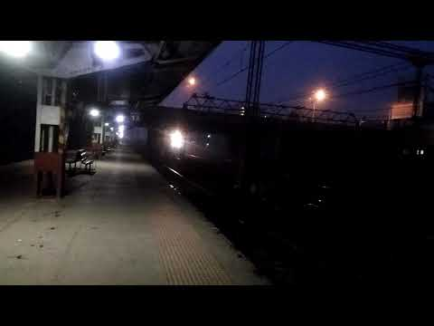 22953 Mumbai Ahmedabad Gujarat Express