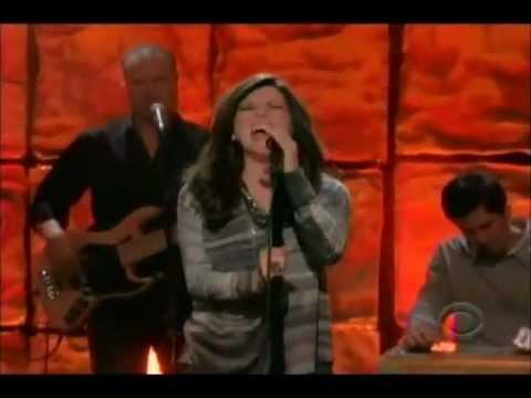 Martina McBride Wrong Baby Wrong Live Macy's Parade 11-22-12