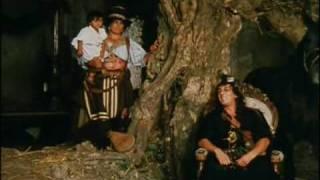 Scena in cui il marchese onofrio del grillo (alberto sordi) compagnia francese blanchard (marc porel) incontrano grande don bastiano (flavio bucci).