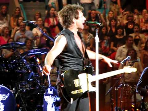 Bon jovi twist and shout sleep madison square garden lost highway tour 2008 youtube for Bon jovi madison square garden