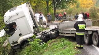 Liśnik Duży  Akcja wyciągania ciężarówki z rowu