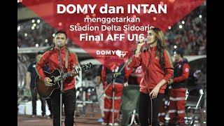 Download lagu EMOSIONAL ! DOMY STUPA DAN INTAN MENGIRINGI RIBUAN SUPORTER DI FINAL AFF U16