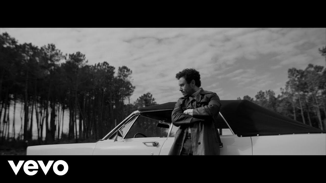 İkilem - Kaybolurum Gülüşünde (Official Video)