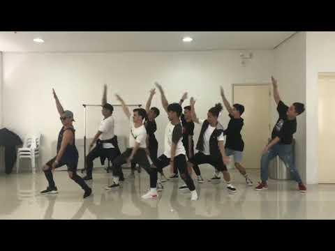 開始Youtube練舞:Baby Shark Dance Challenge by Mastermind-Mastermind | 鏡像影片