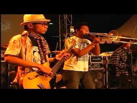 SRI PLECIT - DANCE WID' ME - LIVE - HD