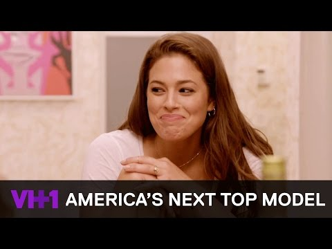 Ashley Graham Cooks Dinner & Bonds w/ Contestants 'Sneak Peek' | America's Next Top Model