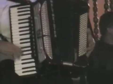 Ionel de la Braila canta lui Ionica Minune la Buzau 2005